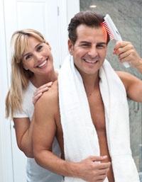 L'HairMax è l'unico laser professionale, FDA cleared, con studi clinici di efficacia condotti nelle maggiori Università Americane, che utilizza la fototerapia laser per combattere la caduta dei capelli e favorirne la ricrescita.  Oltre il 93% degli uomini e delle donne, presi in esame, riscontra una significativa ricrescita dei capelli, rivitalizzazione dei follicoli piliferi dormienti, alta diminuzione del diradamento, e un miglioramento di densità, spessore e pienezza dei capelli