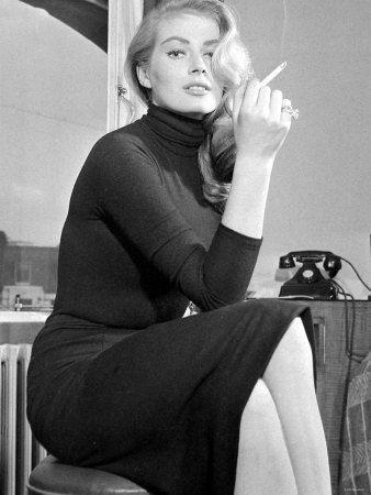 Actress Anita Ekberg Photographie sur AllPosters.fr