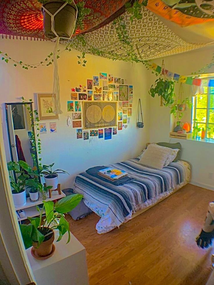 - pinterest ; ⭒ ???????? ⭒ in 2020 | Indie room decor ... on Room Decor Indie id=20072