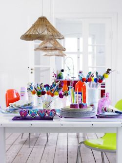 peroxideNeon Parties, Colors Room, Summer Parties, Interiors Design, Parties Ideas, Parties Tables, Home Parties, White Wall, Parties Decor