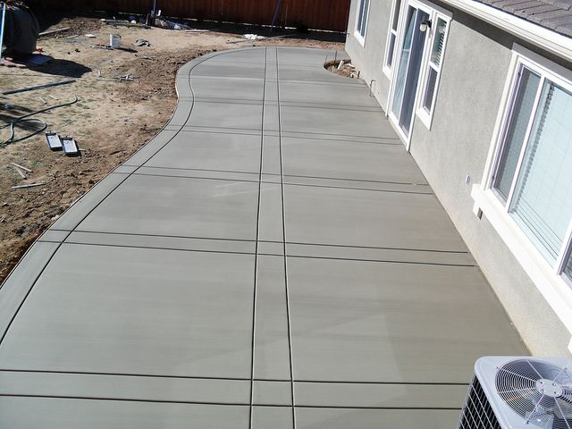 Concrete Patio- don't like the stamp pattern, more the shape