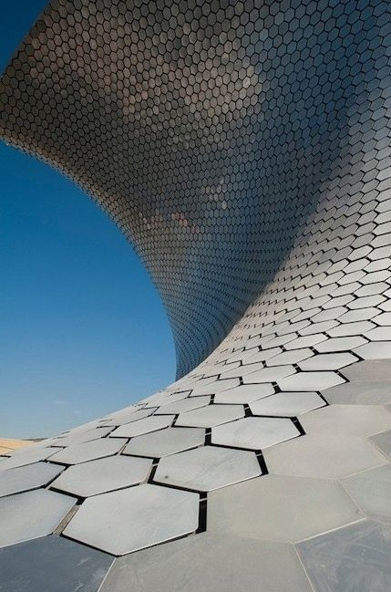 Museo Soumaya, Mexico City. Designed by the Mexican architect Fernando Romero, engineering Ove Arup and Frank Gehry.