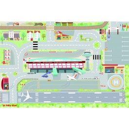 Le Toy Van speelkleed mijn eerste vliegveld. Met wegen, start/ landingsbaan, vliegtuigen en verschillende gebouwen.