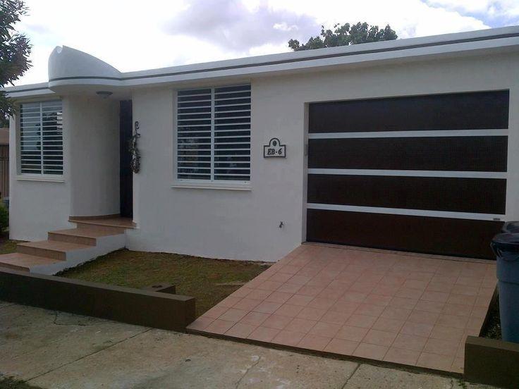 Puerta de garaje perforada en combinaci n de colores y for Garaje de ideas