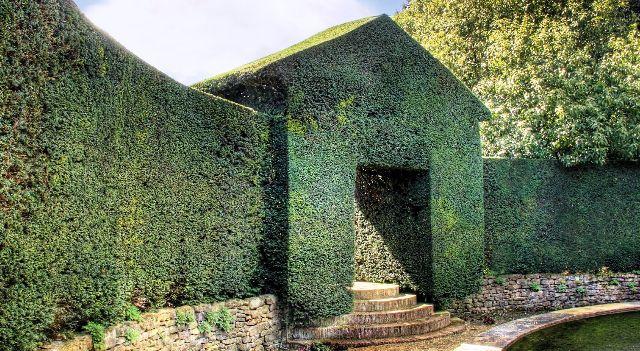 25 Examples of Amazing Topiary Art