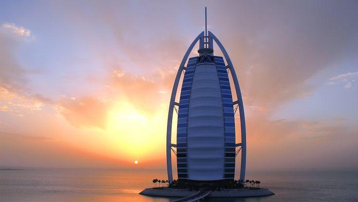 中東・ドバイの最高級ホテル♪なんと屋上には絶景テニスコートがついているらしい・・・行きたい・・