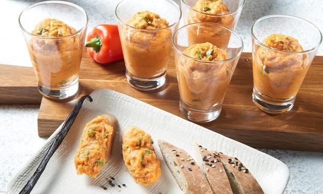 Paprika-Bohnen-Aufstrich                              -                                  Veganer Brotaufstrich mit Paprika, Bohnen und Knollensellerie