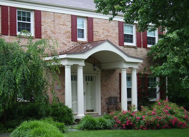 120 best images about exterior on pinterest columns for Portico entrance with columns