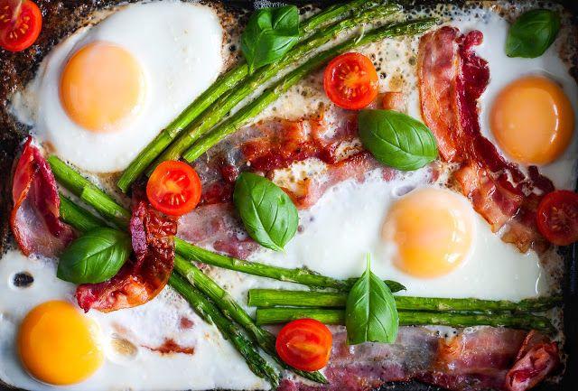 Mad & Søde Sager: Æg, bacon og asparges i ovnen
