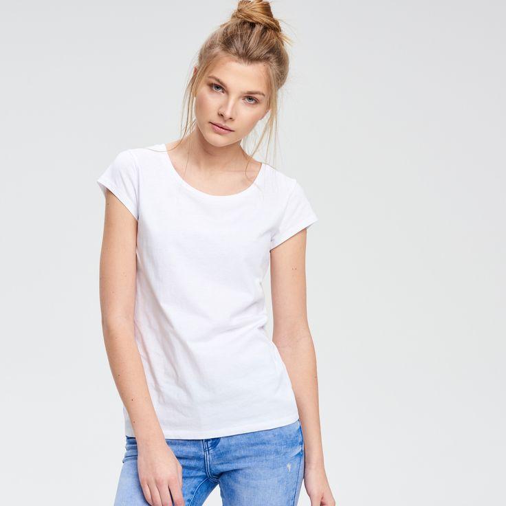 L2017 http://www.cropp.com/pl/pl/dziewczyna/kolekcja/t-shirty/QH330-00X/solid-colour-t-shirt