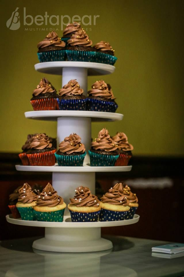 Cupcake tower, by @FancyFrostings_
