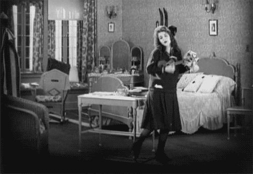 perfectmistake13:  Olive Thomas dancing in The Flapper (1920).