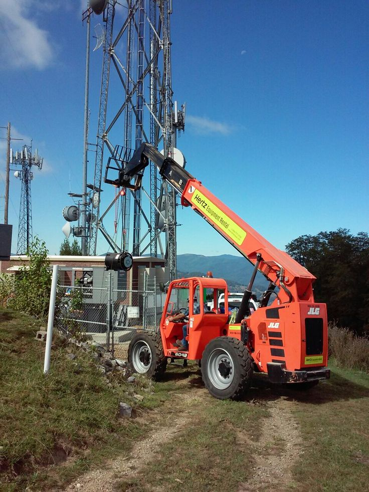 Lifting the alternator, generator repair #hertz #shootingboom #forklift #generac #haywoodcountync