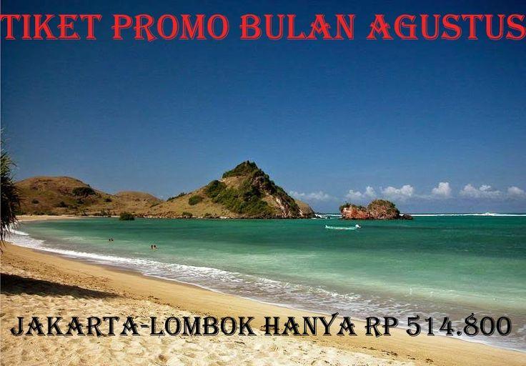Keindahan pantai lombok sangat mempesona.  pengen mengunjungi.hubungi kami Pin BB : 53E8AA06 Whatsapp : 0822-5741-7999 / 0856-0771-6999  #travellombok #promotiket #tiketmurah