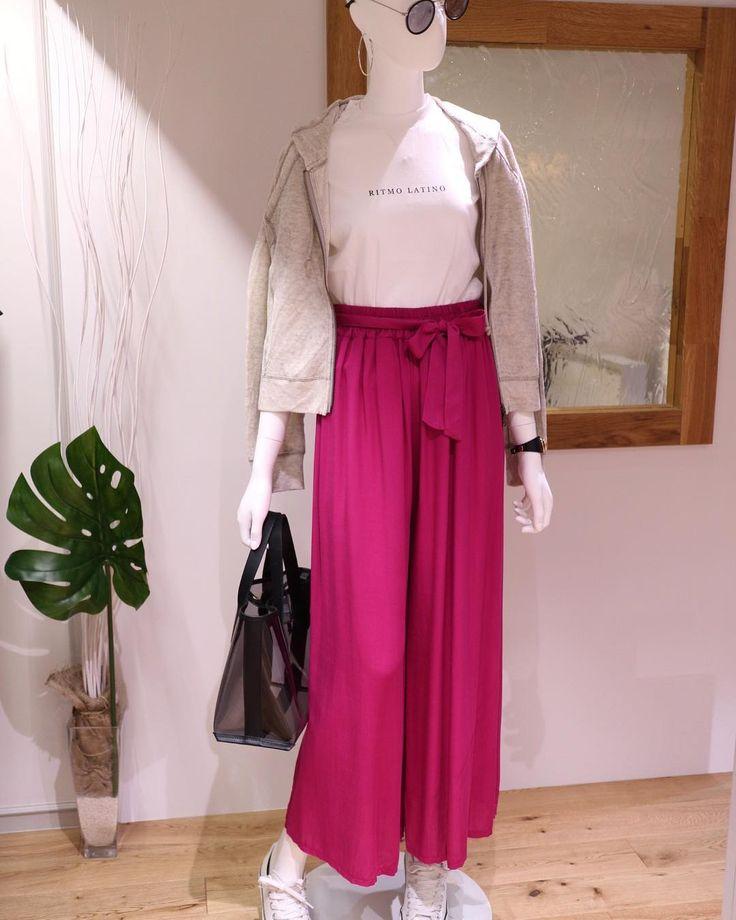 GWにオススメのstylingどえーす(o)/ ピンクのワイドパンツで 大人カジュアルにしてみました このcolorパンツは店頭でも 超人気ですよっ  Tシャツ6900tax ピンクパンツ8900tax  #gw #オススメ #styling #coordinate#コーディネート #ピンク #パンツ #pinkpants #fashion #instacoordinate #パーカーコーデ #parker #大人可愛い #大人カジュアル #大人ファッション #casual #casualstyle #アラフォーコーデ #アラサーコーデ #アラフォー #アラサー #吹田市 #セレクトショップアンスリール #セレクトショップunsourire #unsourireコーデ #paulinebleu #関大前セレクトショップ #関大前 #gwstyling