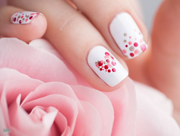 Idée nail art de Saint Valentin                              …