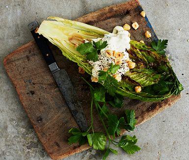Recept: Grillad sallad med ädelost