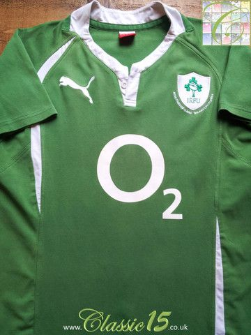 Relive Ireland's 2010 test match vs South Africa at the newly opened Aviva Stadium, with this vintage Puma home rugby shirt.