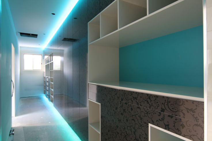 Espresso ornamental board with stunning teal backing