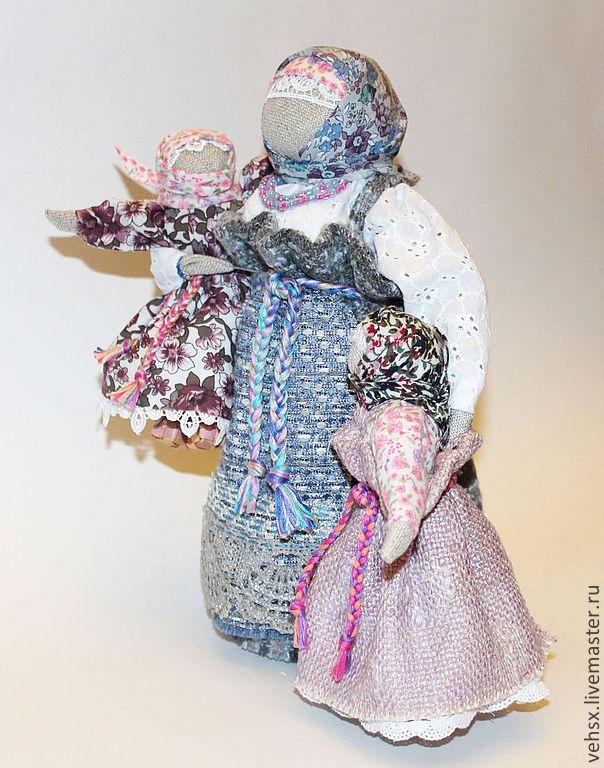 Мамушка с двумя дочками - голубой,мать и дитя,мать,мама,дочка,кукла в подарок