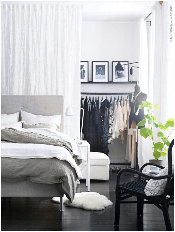 Einen Vorhang Als Raumtrenner Zu Verwenden Erweist Sich Als Eine Kreative  Weise, Auf Welche Man Sein Innendesign Verschönern Kann. Anstatt Solide  Trennwand