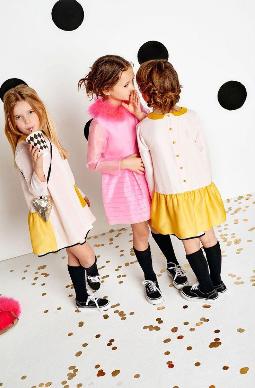 Sonia Rykiel - французский бренд, основанный дизайнером Соней Рикель, ставший эталоном вязанных вещей. В каждой коллекции бренда неизменно присутствуют обтягивающие джемперы, платья, свитеры и кардиганы, которые идеальны в повседневной носке. Детская линия Sonia Rykiel отличается эффектным принтом