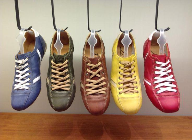 Gol 851 #aguapatagona #soles #leather #rubber #bones #marcapaisargentina #shoes #boots  #argentinadesign  #Girona #CostaRica #BuenosAires #SanTelmo #SANDALS