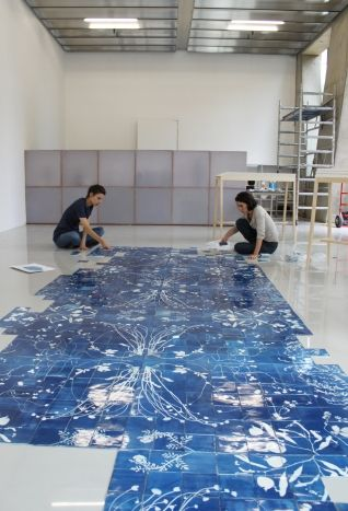 Glithero - Blueware Tiles | laying down the pattern