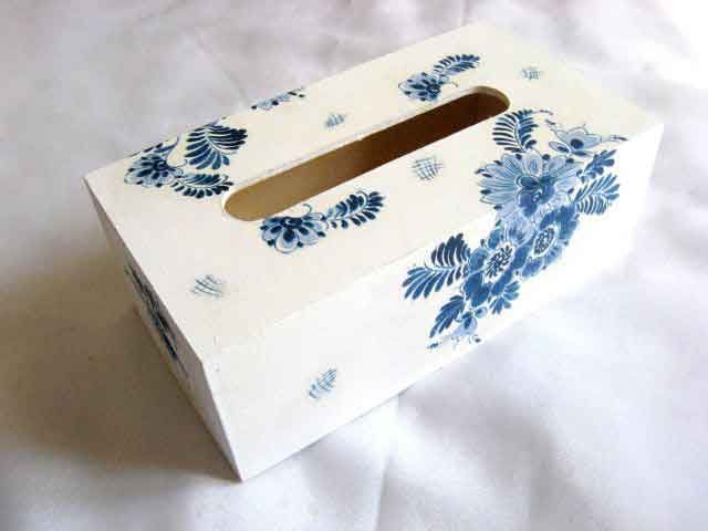 #Cutie #servetele cu #modele #florale #stilizate #culoare #albastra, cutie #lemn http://handmade.luxdesign28.ro/produs/cutie-servetele-cu-modele-florale-stilizate-culoare-albastra-cutie-lemn-29501/
