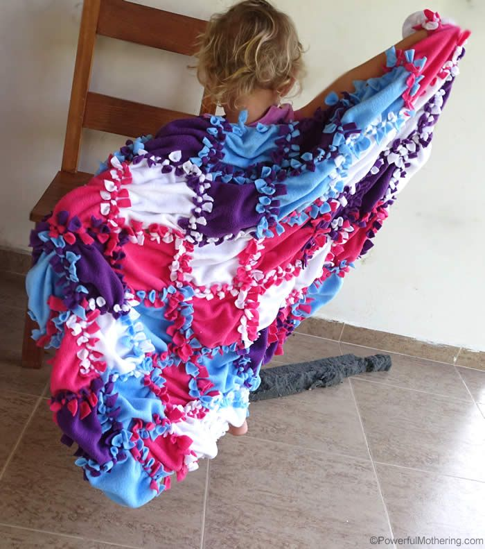 Make this Patchwork No Sew Fleece Blanket over the weekend! It makes a great gift as well as a keepsake for kids when they get older. Check out this No Sew Fleece Blanket Tutorial with video!