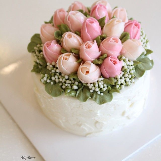 Cake Decorating Cream Flowers : Best 25+ Tulip cake ideas on Pinterest Wilton piping ...