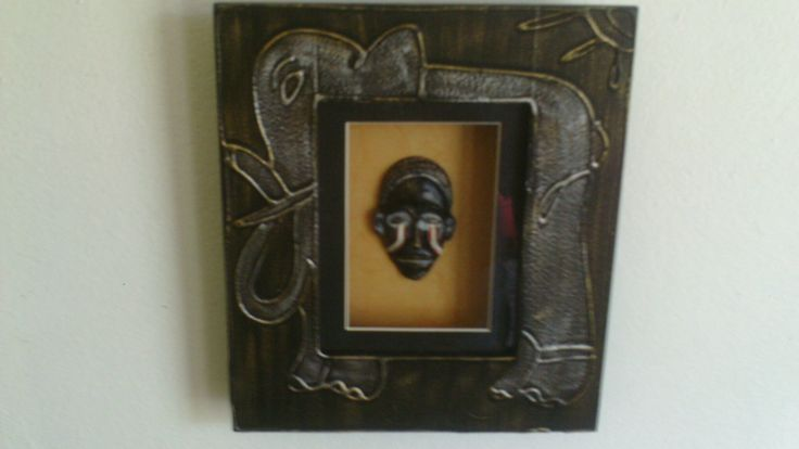 African portrait frames .  Please indicate picture 1 {AP1(1)} or picture 2 {AP1(2)} Subject to supplier availability. Pricing includes vat and shipping charges.