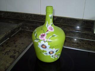 Casiopea:Manualidades-tejas-espejos pintados-cuadros con relieve-botellas pintadas etc.