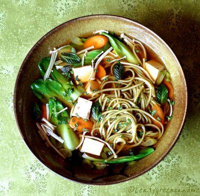 Green tea soba noodle soup