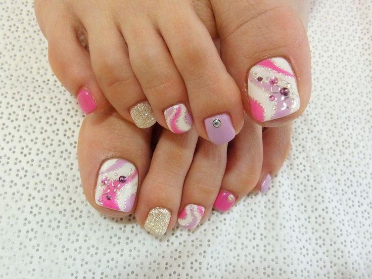Summer Pedicure Ideas | Stylish Pedicure Nail Art Designs for Summer 2012