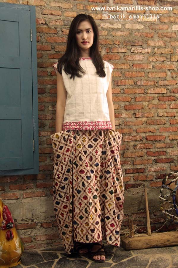 www.batikamarillis-shop.com Batik Amarillis Made in Indonesia Batik Amarillis's Bohemian Holiday skirt it's all about edginess,individual, romantic, and free-spirited..