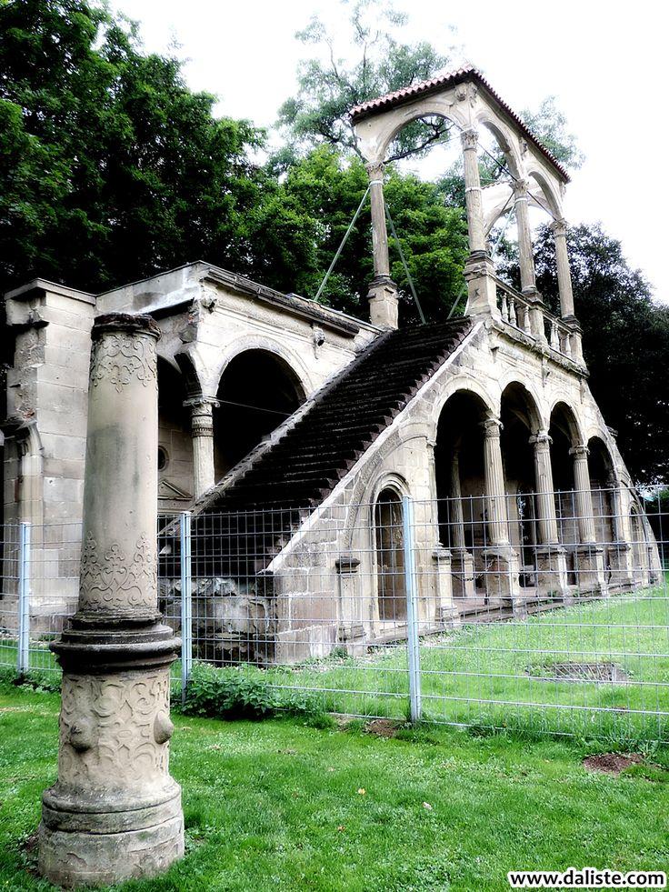 Relics of Stuttgart @ daliste.com #daliste #stuttgart #germany #deutschland #schlosspark #history #architecture #schlossgarten