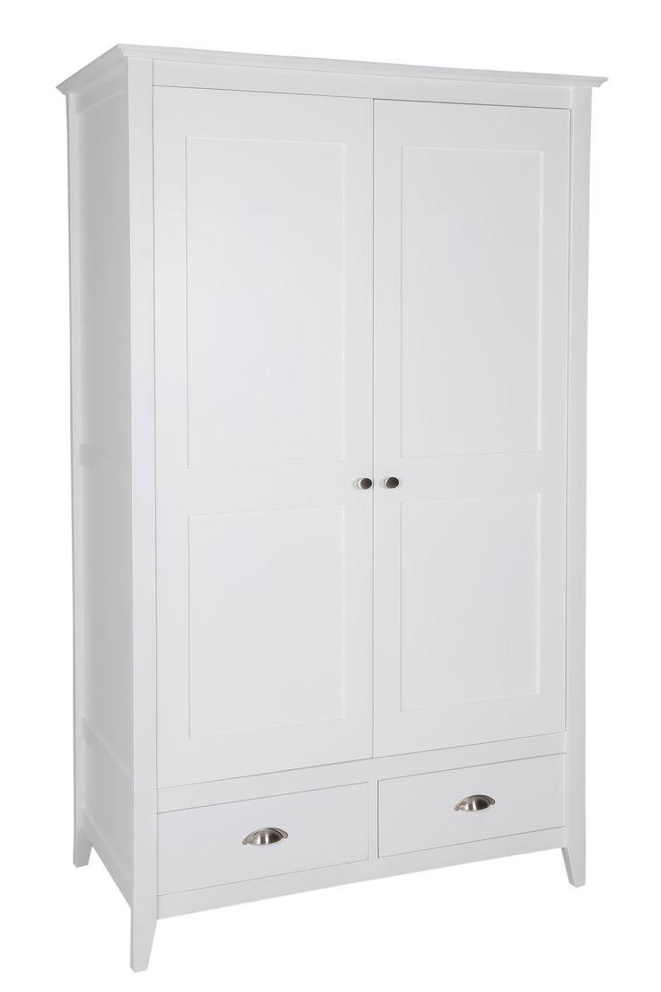 New England White Wardrobe