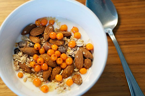 Din Baghave - Morgenyoghurt med müsli, honning og havtorn