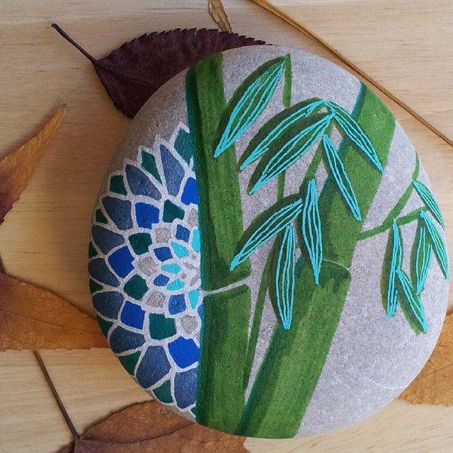Bambú y #Mandala #beautiful_stones #stonesoftheworld #stone #painting #stonesofspain #piedraspintadasenespaña