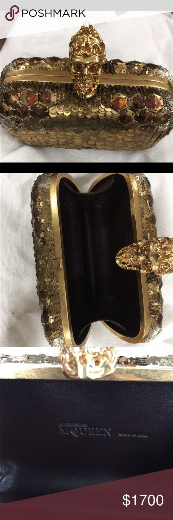 Alexander McQueen gold sequin clutch Alexander MCQUEEN sequin gold clutch mint condition thank you!!! Alexander McQueen Bags Clutches & Wristlets