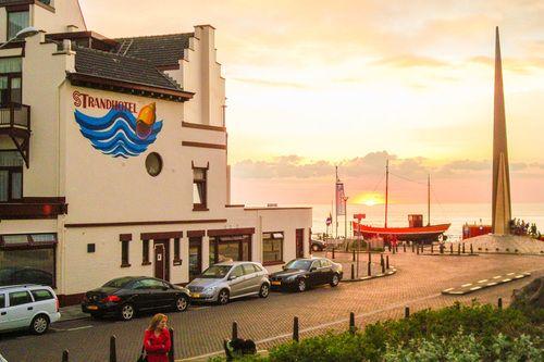 Strandhotel Scheveningen werd verkozen tot beste hotel van badplaats Scheveningen in 2015. www.hotels.nl