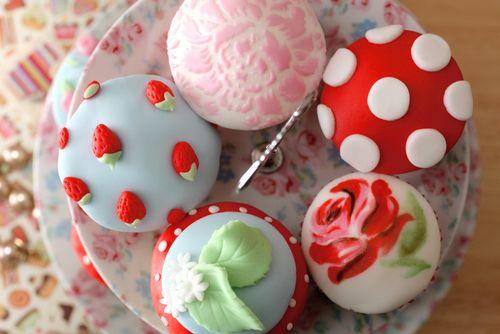 24 Cupcakes Too Lovely To EatBeautiful Cupcakes, Cupcakes Factories, Summer Cupcakes, Cupcakes Crazy, Wedding Cupcakes, Kidston Inspiration, Cupcakes Wars, Cupcakes Rosa-Choqu, Cath Kidston Cupcakes