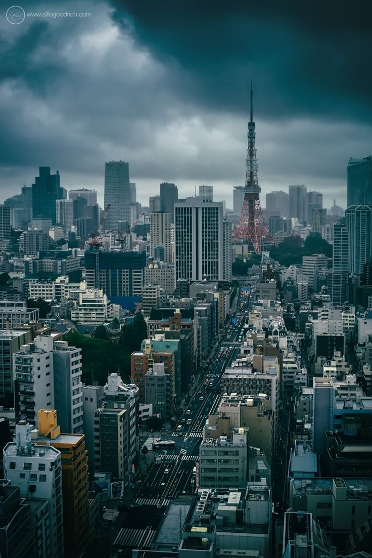 Got this shot in before a meeting I was having in a building just by Mita Station, downtown Tokyo. Great view of the Tokyo Tower. Moody sky. Storm broke a little while later. Nikon D800 Nikkor 50mm...