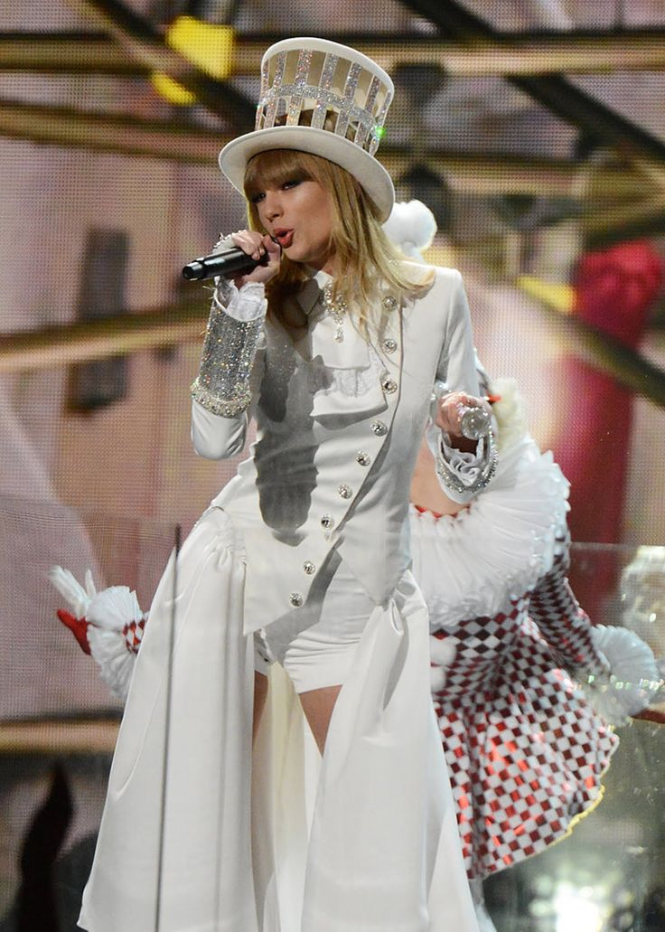 — texaslovestaylor: Taylor Swift performing at the...