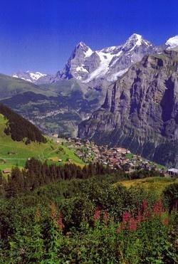 Murren - pretty little town above Lauterbrunnen