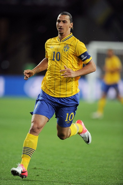 IBRAHIMOVIĆ, Zlatan | Forward | Paris Saint-Germain (FRA) | @Zlatan10Ibra | Click on photo to view skills