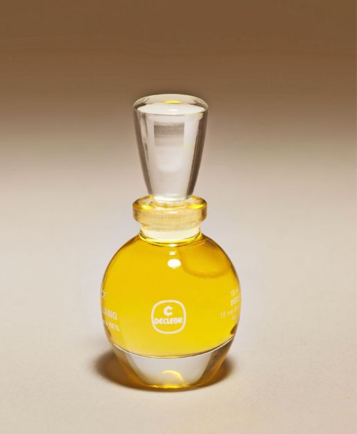 1979 - Aromessence™ Neroli, today an iconic DECLÉOR product, is born.