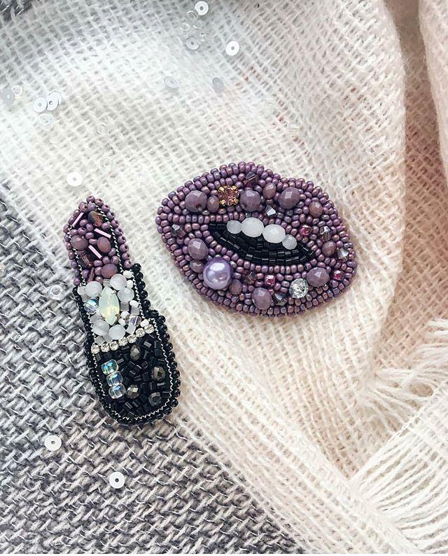 Автор @boni_brooch 〰〰〰〰〰〰〰〰〰〰〰〰〰〰 По всем вопросам обращайтесь к авторам изделий!!! #ручнаяработа #брошьизбисера #брошьручнойработы #вышивкабисером #мастер #бисер #handmade_prostor #handmadejewelry #brooch #beads #crystal #embroidery #swarovskicrystals #swarovski #купитьброшь #украшенияручнойработы #handmade #handemroidery #брошь #кольеручнойработы #кольеизбисера #браслеты #браслетручнойработы #сутажныеукрашения #сутаж #шибори #полимернаяглина #украшенияизполимернойглины
