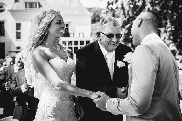Artikel '10 muziektips entree vader met bruid' #theperfectwedding #webredacteur #artikel #online #article